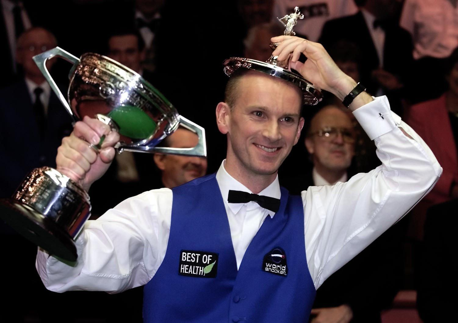Former world snooker champion Peter Ebdon swaps cue balls for crystal balls… as he becomes a professional healer