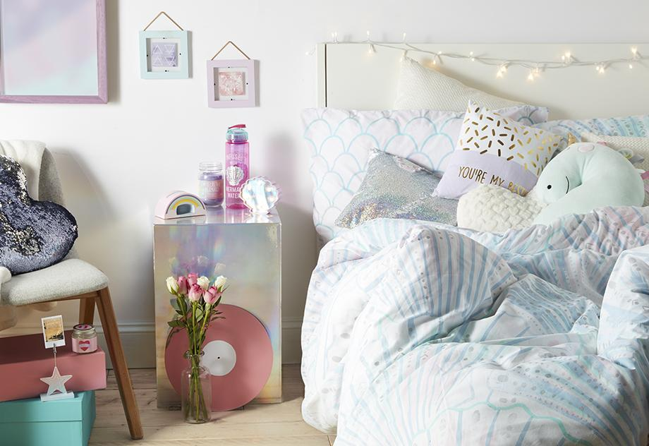 Primark have released a magical unicorn bedding range that shoppers are going mad for… and prices starting from £1