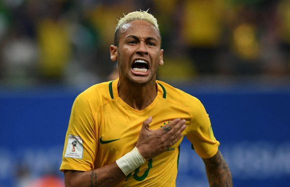 Neymar will not win Ballon d'Or while Lionel Messi and Cristiano Ronaldo are in form, claims Roberto Carlos