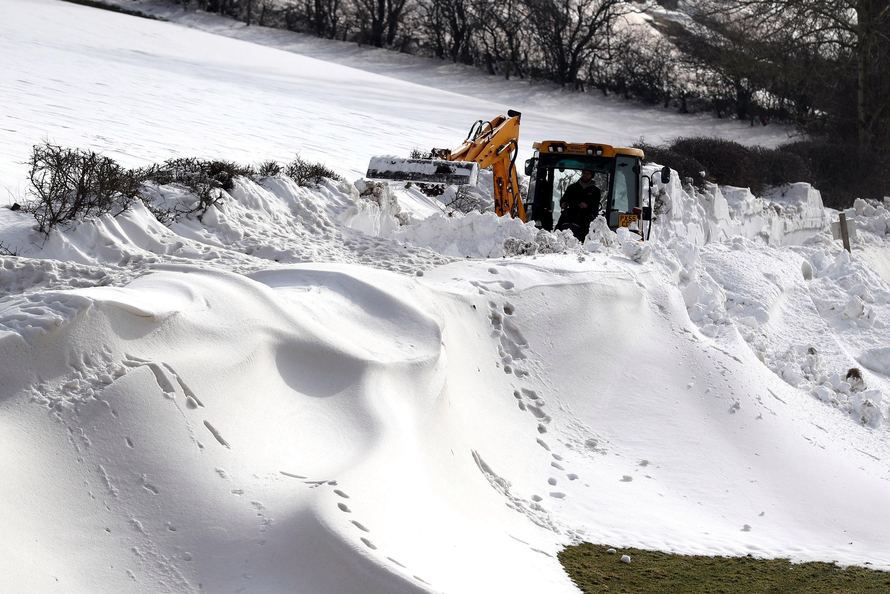 Workers who were forced to stay at home under dangerous heavy snow conditions must NOT be punished, minister insists