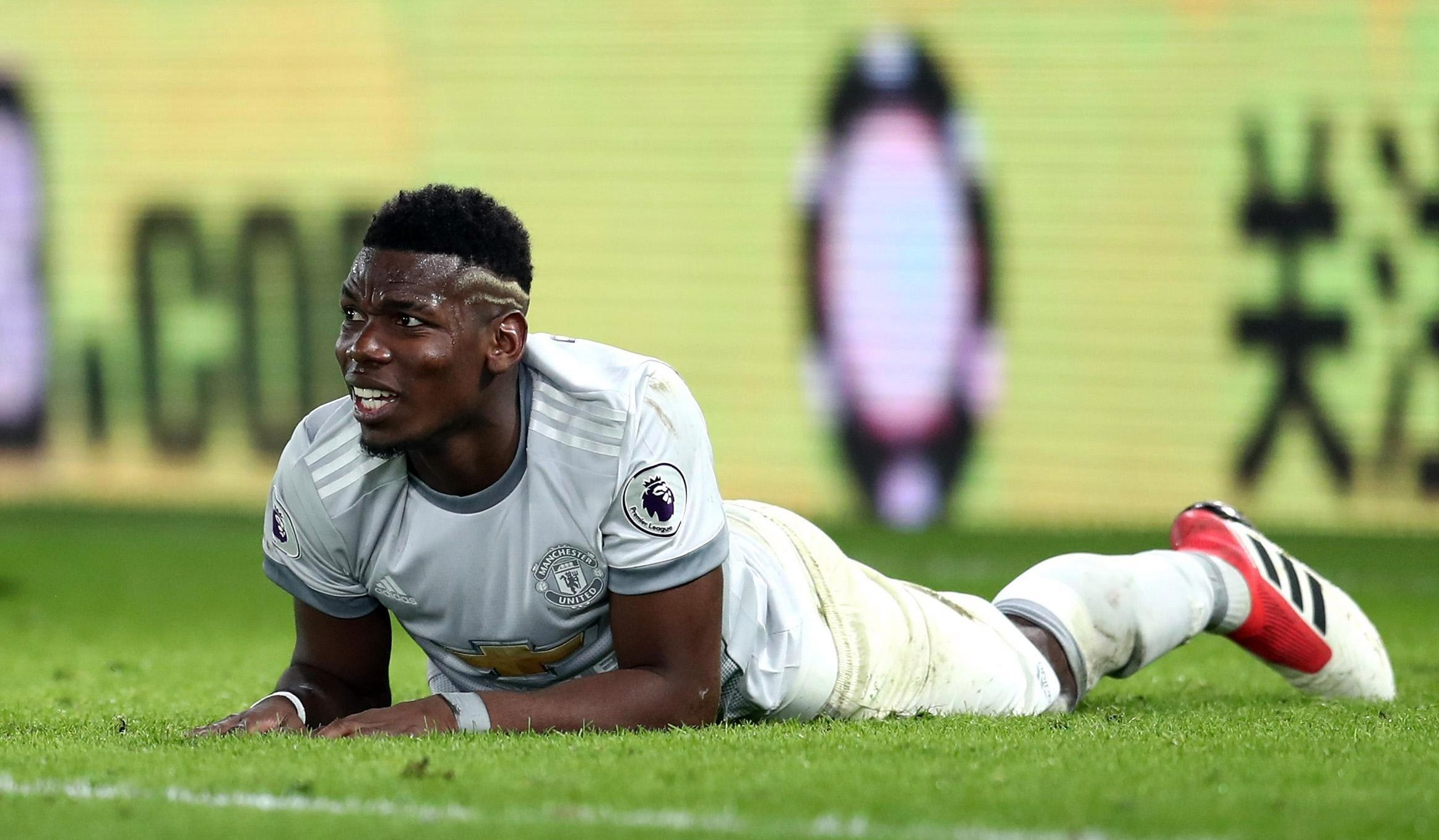 Manchester United midfielder Paul Pogba gives Jose Mourinho huge injury scare with gashed leg