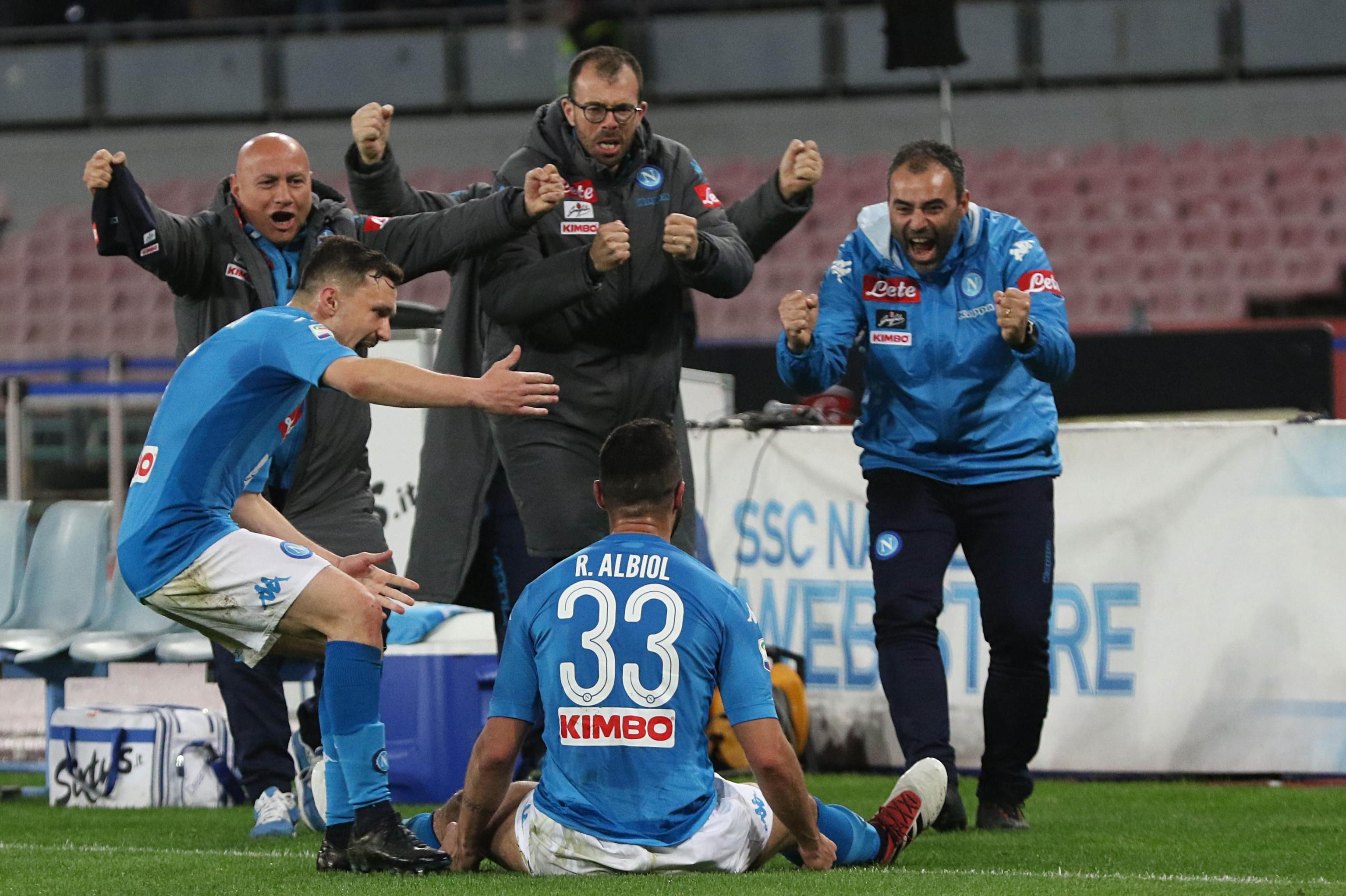 Napoli 1 Genoa 0: Raul Albiol nets on 200th appearance as Maurizio Sarri's side close gap on Serie A leaders Juventus