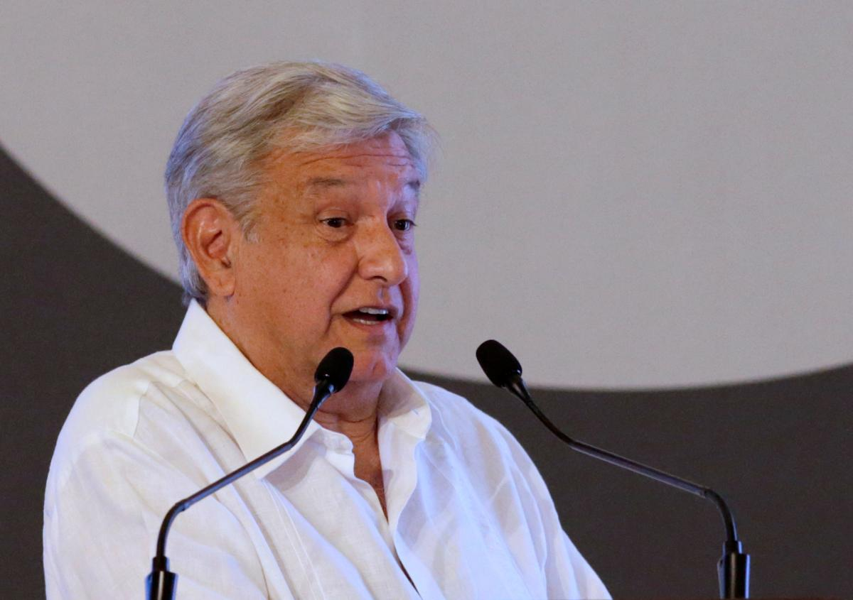 Mexico leftist courts bankers with pro-business, anti-graft vows