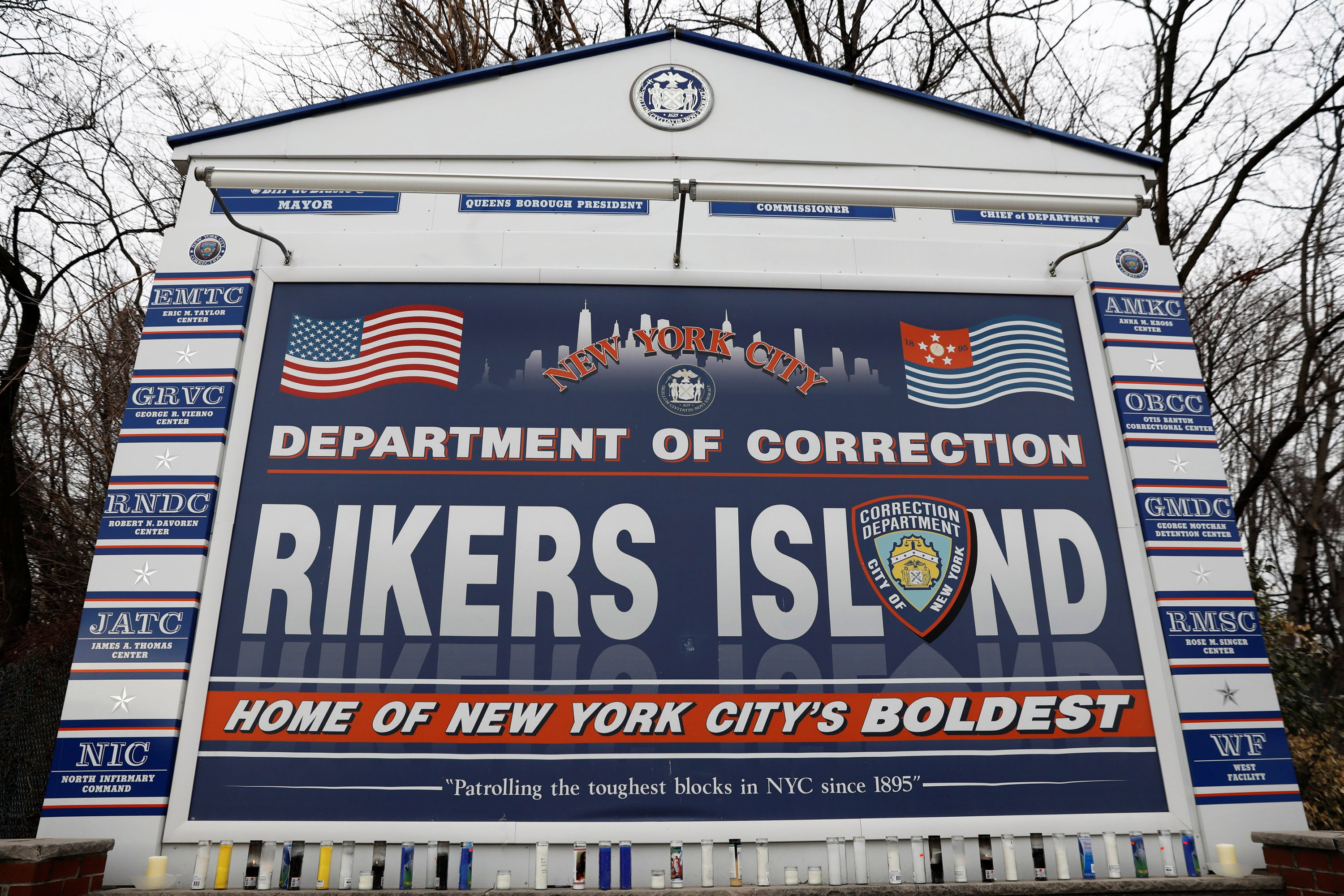 Judge issues temporary halt to closure of teen Rikers facility