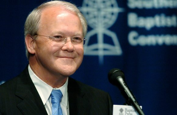 Southern Baptist leader resigns after 'inappropriate relationship'