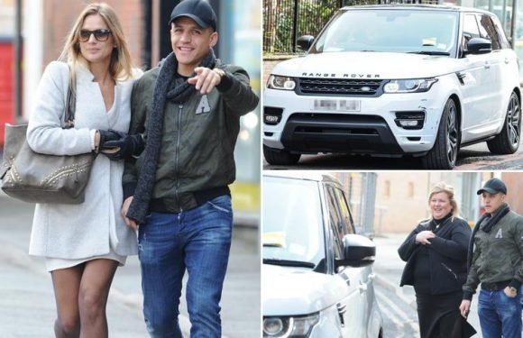 Manchester United star Alexis Sanchez's troubles continue as he gets parking ticket after heading out for a meal