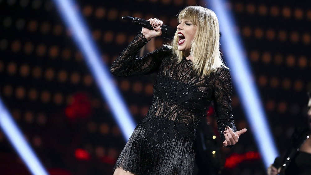 Taylor Swift Premieres 'Delicate' Video During iHeartRadio Awards (Watch)