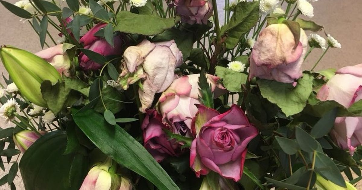 Flower company slammed for 'ruining Mother's Day' with bad bouquets