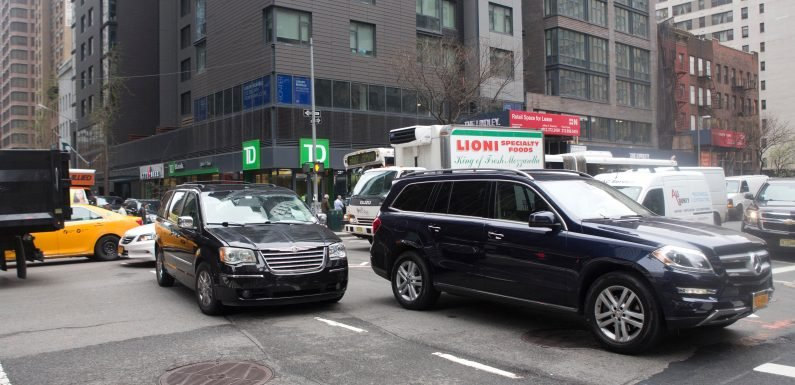 Traffic agents preying on drivers stuck in Midtown Tunnel gridlock
