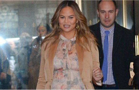 Chrissy Teigen Has No Problem Wearing These Rope Heels — on the Other Hand, We'd Be Sweating