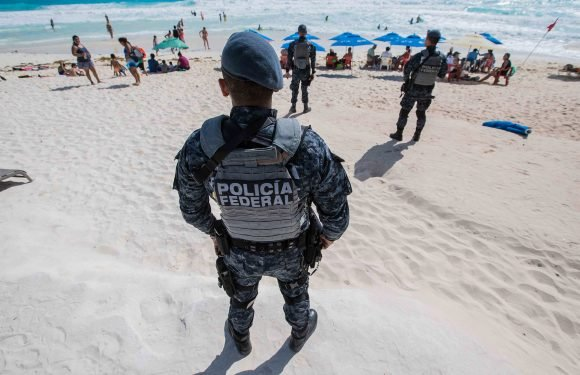 Water scooter gunmen shoot up beach in Cancun's tourist zone