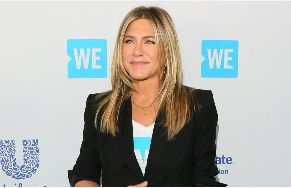 Jennifer Aniston Kissed Her Red Carpet Heels Goodbye Because She Had These Comfy Sneakers