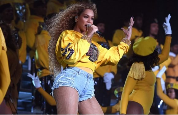 20 Iconic GIFs From Beyoncé's Flawless Coachella Performance