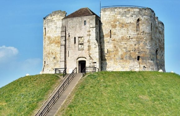 York locals at war with English Heritage's plans to excavate castle