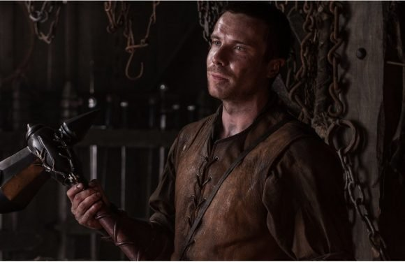 "Joe Dempsie Teases Gendry's Return — and the Epic ""End Game"" — on Game of Thrones"
