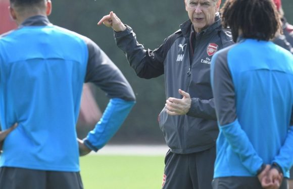 Inside story of hours before Wenger's announcement and how it blew players away