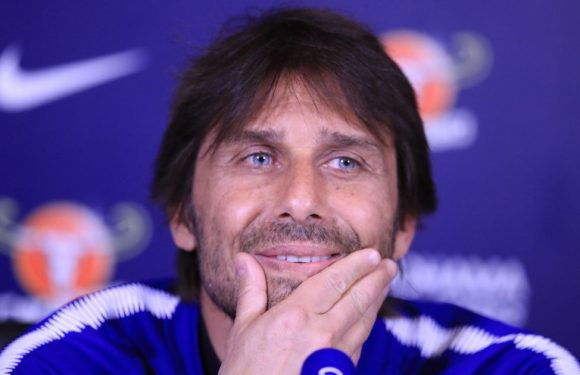 Chelsea close in on Conte's replacement
