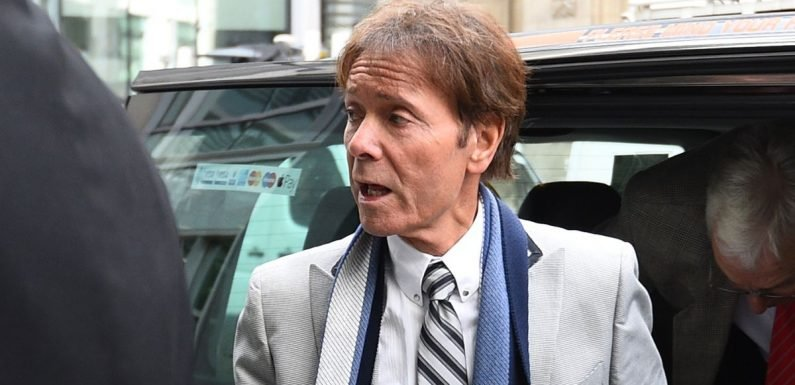 Cliff Richard detective was 'forced' into deal with BBC reporter for tip-off