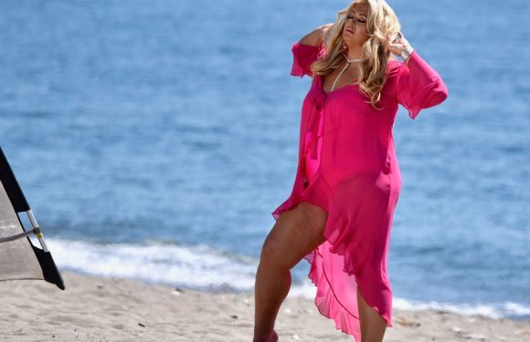 Gemma Collins takes own pics in bright pink swimsuit after Photoshop allegations
