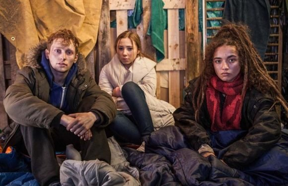 Hollyoaks airs tragic death during Peri's heartbreaking homeless episode