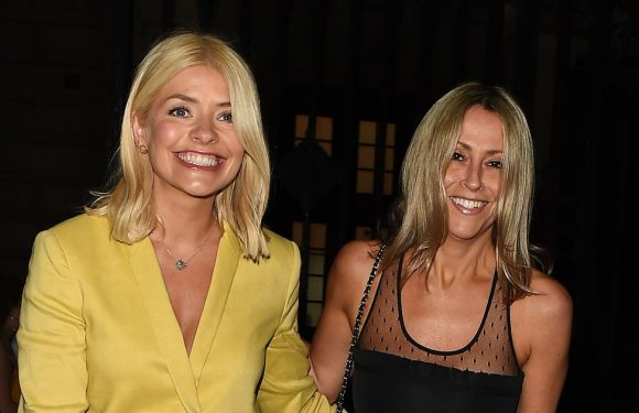 Holly Willoughby shines in chic yellow trouser suit at the opera