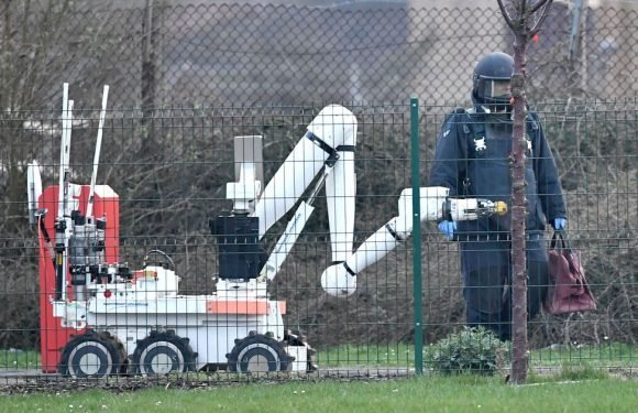 "Bomb squad called to prison as police deal with ""ongoing incident"""