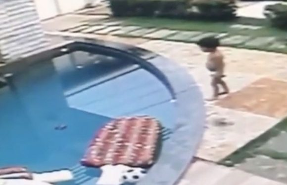 Brother saves tot from drowning after falling into pool with no adults in sight