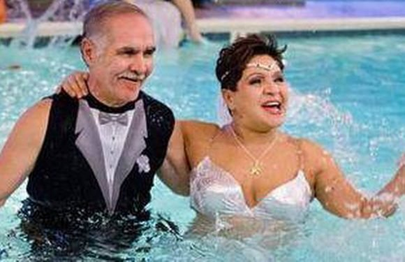 Woman finds happiness as professional mermaid and ties knot in 'mer-wedding'