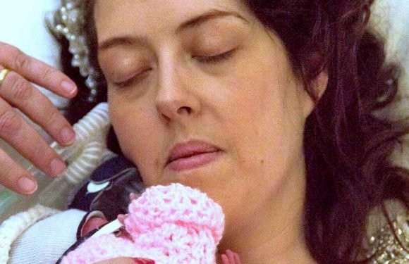 Mum dies in husband's arms as she loses cancer battle days after giving birth