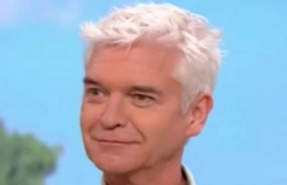 Phillip Schofield looks skeptical as asparagus reader predicts future with veg