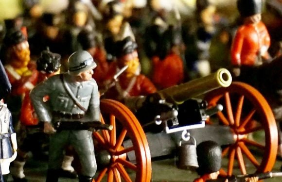Man's epic 250,000-strong toy soldier army expected to sell for £10,000