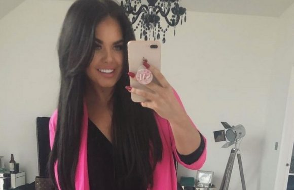 Scarlett Moffatt hits back at bodyshamers after fans accused her of editing pics