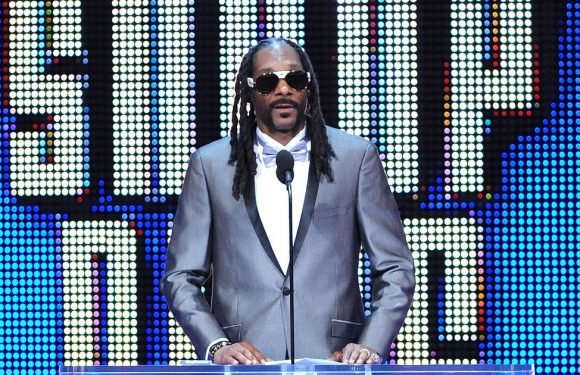 "Snoop Dogg praises Prince Harry's ""big b***s"" for not inviting Trump to wedding"
