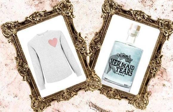 A super-cute sweatshirt and GLITTER vodka… here's what we're lusting after today