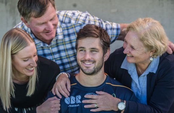 Sam Carter gets family surprise before 100th Super Rugby game