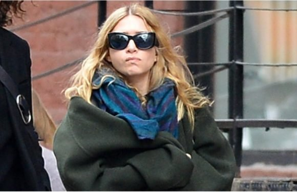With a Coat Like This, Ashley Olsen Didn't Stand a Chance of Going Unnoticed in NYC