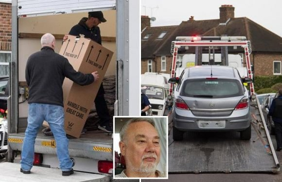 Removal men clear hero OAP Richard Osborn-Brooks Hither Green home after he's forced to sell following threats from burglar Henry Vincent's family