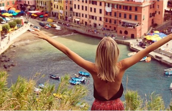 23 Snaps That Serve Up Ultimate Outfit Inspiration For Your Next Vacation