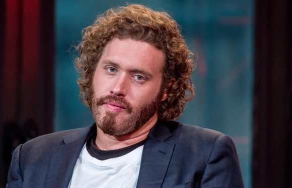 Silicon Valley's T.J. Miller arrested for allegedly calling in fake bomb threat while 'intoxicated' on a train