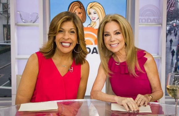 Kathie Lee Gifford threw this curveball at Hoda on live TV