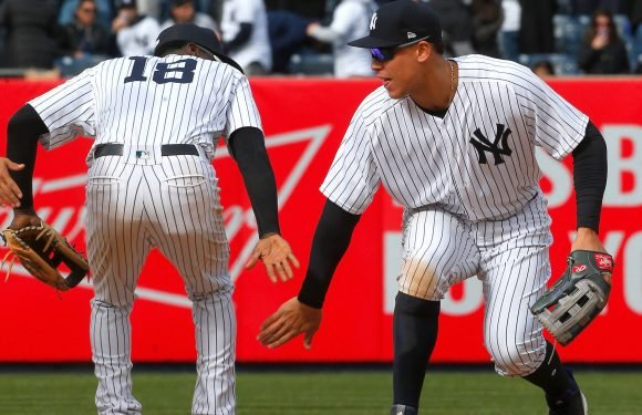 Yankees show mettle by relying on a bunker mentality (literally)