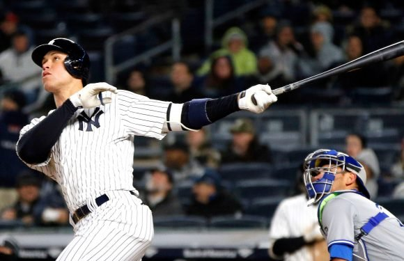 Yankees survive late scare to squeak past Blue Jays