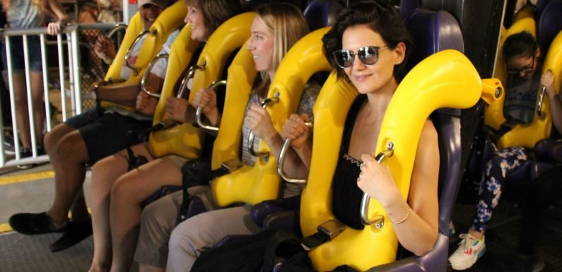Katie Holmes and Suri Cruise go to Six Flags