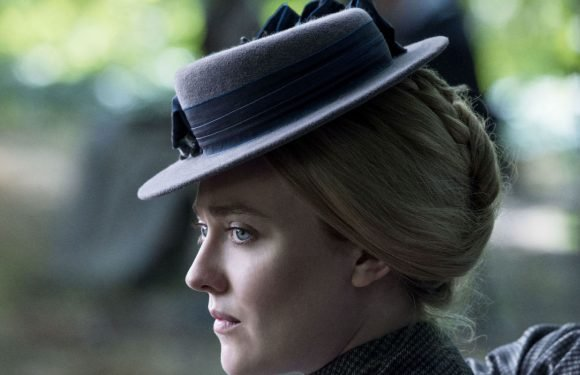 """The Alienist's Dakota Fanning says she """"actually fainted"""" during her first corset fitting for new Netflix drama"""