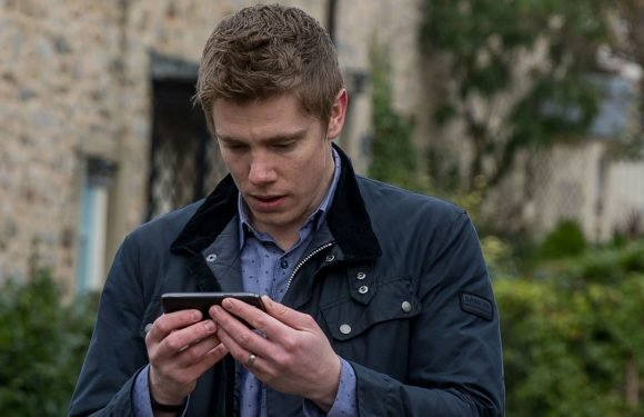 Emmerdale airs kidnap horror tonight as Robert Sugden fears for Aaron Dingle's life