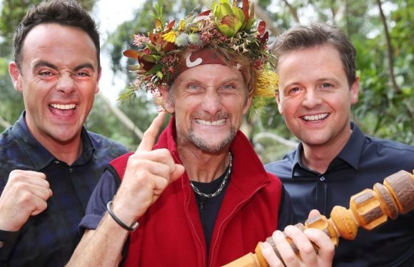 "I'm a Celebrity's Carl Fogarty says Ant McPartlin should ""man up"" following drink driving charge"