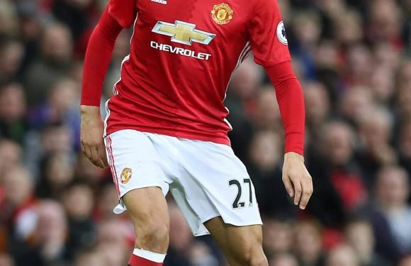 Manchester United star Marouane Fellaini could be the perfect signing for Jurgen Klopp's Liverpool