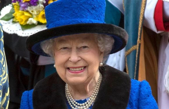 Ancestry expert claims the Queen is distantly related to the Prophet Mohammed after going back 43 generations