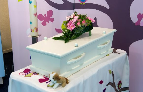Government to pay for children's funerals 'to let families grieve'