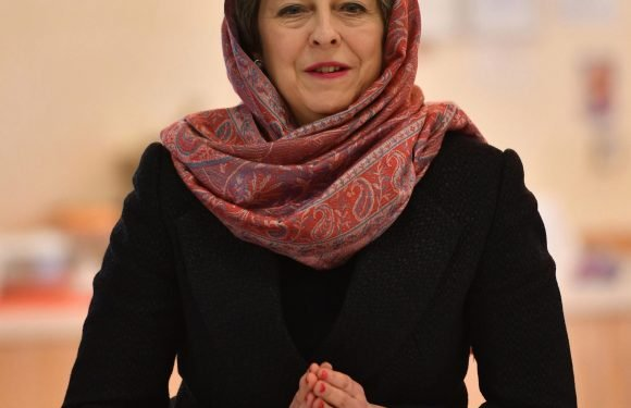 Ministers summoned back to London as Government prepares assault on Syria in revenge for Assad chemical attack